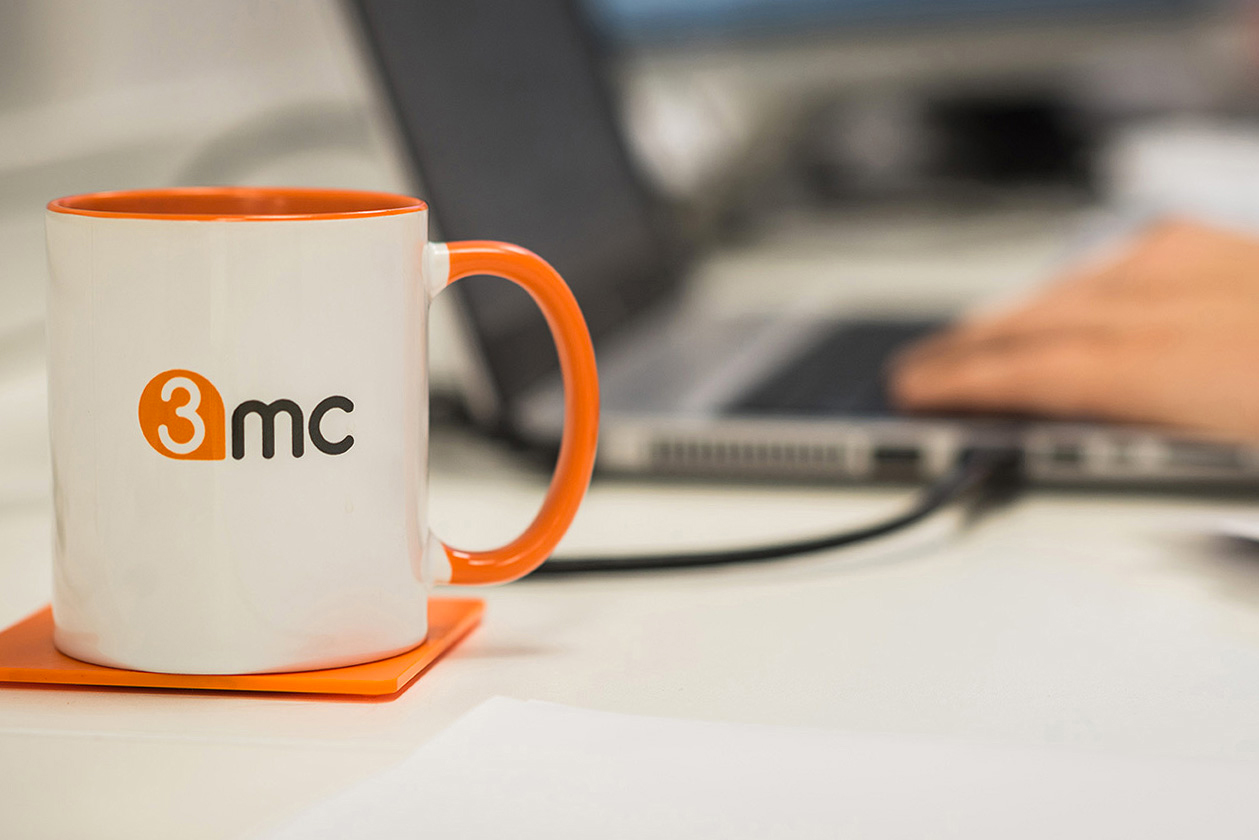 3mc-mug-laptop